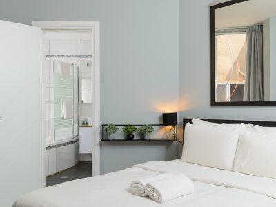hayarkon198 014 400x300 Grand Deluxe 60sqm Two Bedroom Apartments