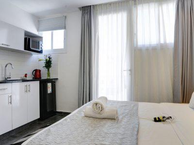 raphael hotels session1 geula 003 400x300 Rooftop Studio