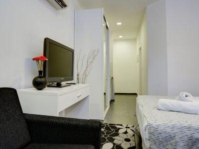 raphael hotels session2 034 1 400x300 Comfort Studio