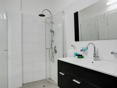 raphael hotels session2 036 1 400x300 Spacious Two Bedroom Apartment