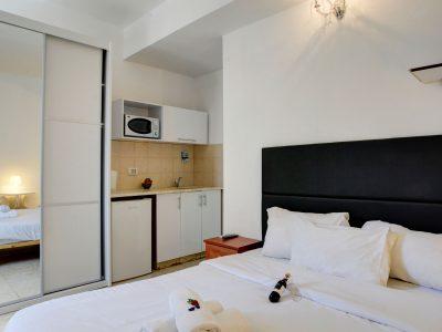 rafael hotels 2013 216 400x300 Deluxe Studio 3