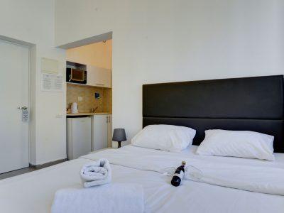 rafael hotels 2013 233 1 400x300 One Bedroom Apartments 33