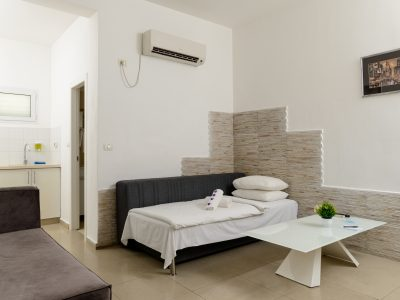 rafaelHotels room41 005 400x300 One Bedroom
