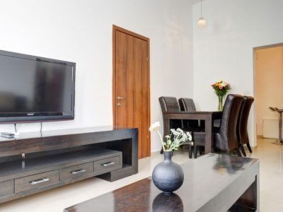 raphaelhotels 375 700x465 400x300 Deluxe One Bedroom Apartments