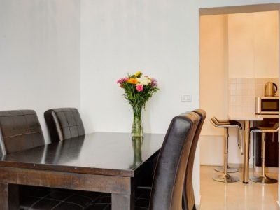 raphaelhotels 376 700x1053 400x300 Deluxe One Bedroom Apartments