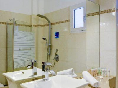 raphaelhotels 381 700x1052 400x300 Deluxe One Bedroom Apartments