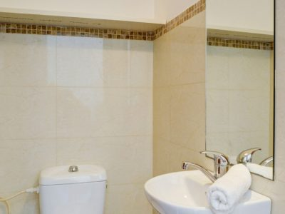raphaelhotels 386 700x1052 400x300 Deluxe One Bedroom Apartments
